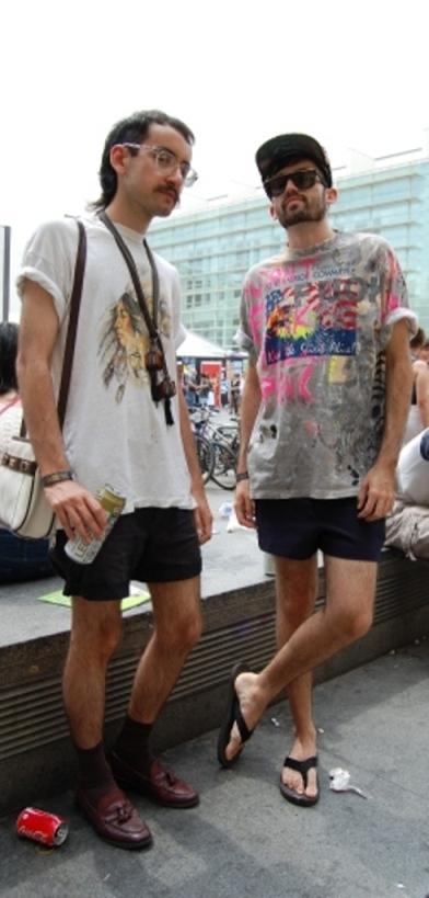 Marcelo e Caco, brasileiro que vivem me Londres vieram conferir o festival e aproveitar o clima da cidade